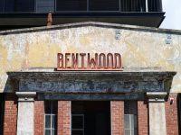 Quán cafe Bentwood được thiết kế bằng gạch ở Melbourne