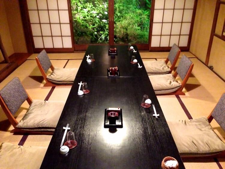Nhà hàng Ryote chủ yếu phục vụ những bữa ăn sang trọng, cao cấp mang đậm bản sắc Nhật Bản