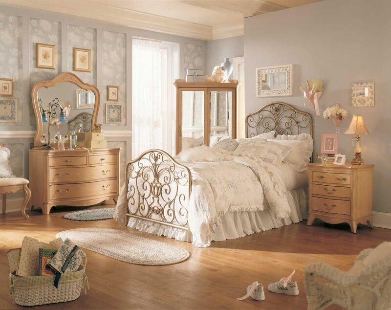 Phong cách Vintage với màu sắc dịu nhẹ sẽ giúp bạn tạo nên một không gian phòng ngủ đẹp mắt và thoải mái